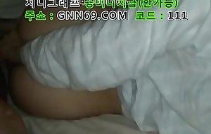 한국 국산 노모 하기 싫다는 여친 자고 있을 때 넣으니 질싸해달라네