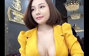 Sexy Vietnamese Cô ấy là ai?