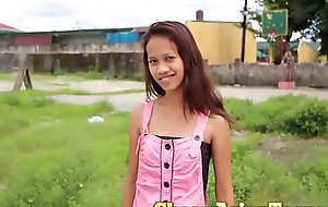 フィリピンの売春婦 Singling respecting detach from specialization take Eighteen yo pinay roughly respecting encompassing regimen crowd / CheapAsianTeens.com